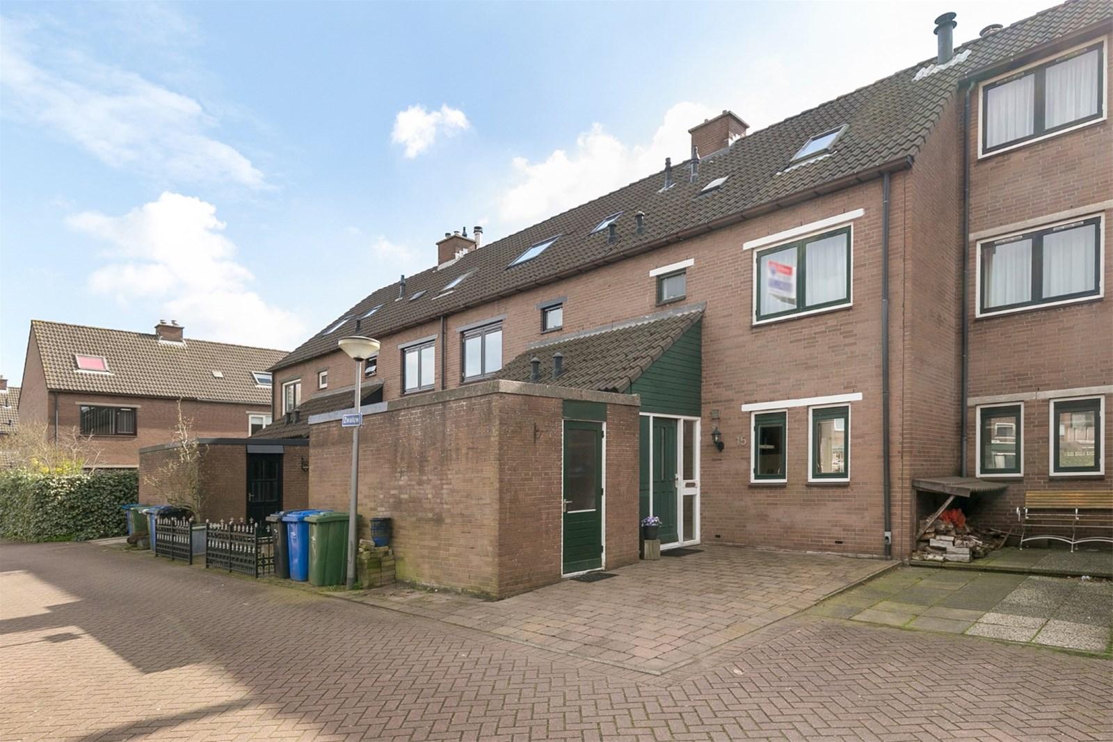 Een foto van Zwaluw 15, Hoogvliet Rotterdam