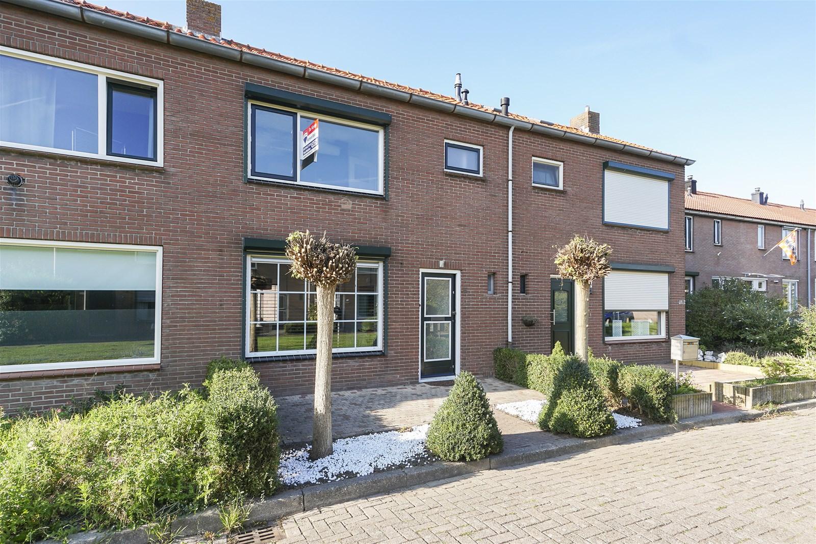 Een foto van Van Vollenhovenstraat 5, Piershil
