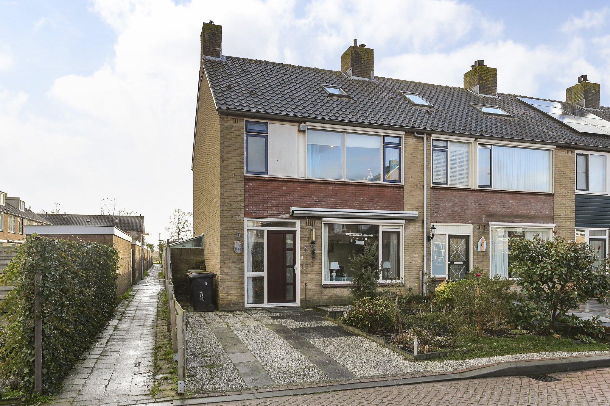Een foto van Jhr V.P.A. Beelaerts van Bloklandlaan 8, Heerjansdam